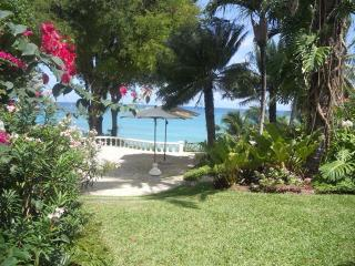 Wonderful Villa with Television and Ceiling Fans - Fitts vacation rentals