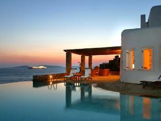 Bright 5 bedroom Villa in Agios Ioannis with Dishwasher - Agios Ioannis vacation rentals