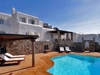 Gorgeous 5 bedroom Agios Ioannis Villa with Internet Access - Agios Ioannis vacation rentals
