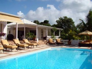 Perfect Villa with Internet Access and A/C - Terres Basses vacation rentals
