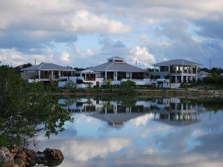 Lovely 4 bedroom Villa in Rendezvous Bay - Rendezvous Bay vacation rentals