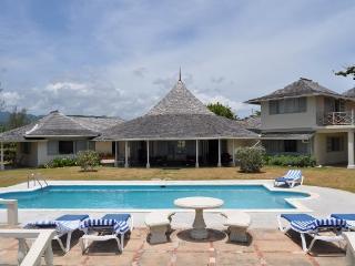 Comfortable 4 bedroom Villa in Saint Ann Parish - Saint Ann Parish vacation rentals
