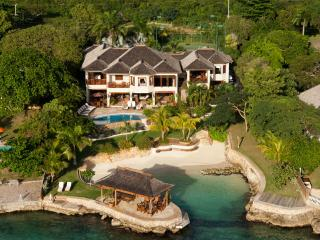 6 bedroom Villa with Internet Access in Discovery Bay - Discovery Bay vacation rentals