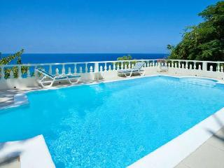 3 bedroom Villa with Internet Access in Tower Isle - Tower Isle vacation rentals
