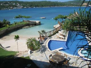 Comfortable 7 bedroom Villa in Discovery Bay - Discovery Bay vacation rentals