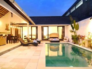 VILLA TEMAN 3BR VILLA W/ POOL IN SEMINYAK - Seminyak vacation rentals