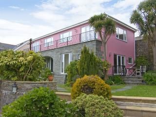 THE ORANGERY, family friendly, with a garden in Tenby, Ref 3960 - Tenby vacation rentals