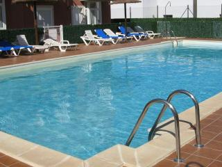Spacious 2 bed near Caleta de Fuste (sleeps 4) - Caleta de Fuste vacation rentals
