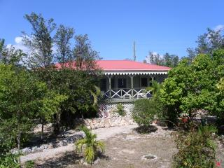 Charming 2 bedroom Villa in Rendezvous Bay with Internet Access - Rendezvous Bay vacation rentals