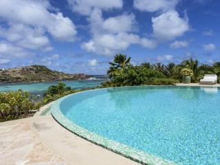 Luxury 4 bedroom Petit Cul de Sac villa. Private access to the beach! - Petit Cul de Sac vacation rentals