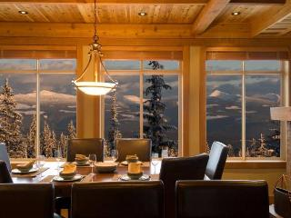 Spacious 4 bedroom Big White Apartment with Deck - Big White vacation rentals