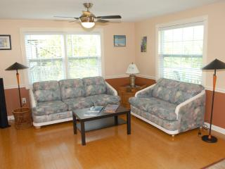 Ohana Hale North  2 or 1 bedroom on Anna Maria - Holmes Beach vacation rentals