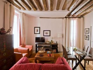 Marais at Arts et Metiers for Up to 4 Guests - Paris vacation rentals