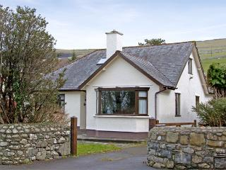 BRYNTEG, family friendly, with a garden in Llwyngwril, Ref 3934 - Llwyngwril vacation rentals