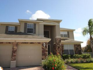 FLIPKEY AWARD WINNER Executive 5 Bed Near Disney - Davenport vacation rentals