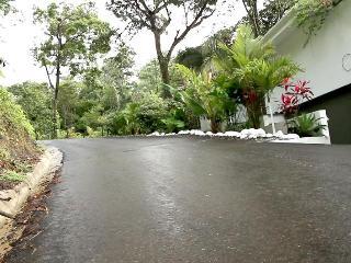 Casa Elsa- Ocean View Home! Walk to the beach!! - Manuel Antonio National Park vacation rentals