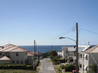 1 bedroom apt 5 mins walk to beach - sea view! - Prospect vacation rentals