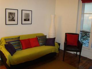 2 Bedroom Paris Apartment Next to Eiffel Tower - Magny-les-Hameaux vacation rentals