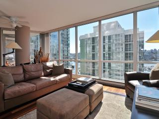 Downtown 2 Bedroom Condo in Trendy Yaletown with Water Views - Vancouver vacation rentals