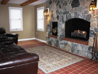 Adventure Inn - Historic Home with Hot Tub, close - Harpers Ferry vacation rentals