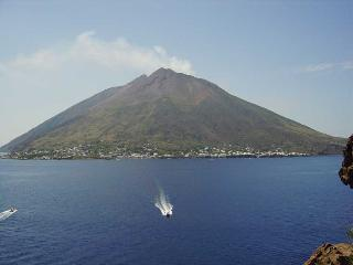 Nice House with Balcony and Patio - Stromboli vacation rentals