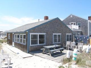 Perfect 3 bedroom House in East Sandwich with Deck - East Sandwich vacation rentals