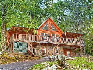 #1 NATURE'S HAVEN LOG CABIN,20%OFF RATES - Gatlinburg vacation rentals