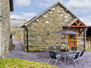 TY ISAF PENRHYDDION, pet friendly, country holiday cottage, with a garden in Betws-Y-Coed, Ref 4481 - Betws-y-Coed vacation rentals