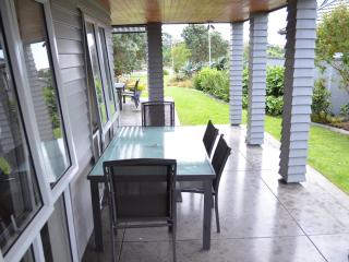 Beautiful Condo with Internet Access and Wireless Internet - Pakuranga vacation rentals