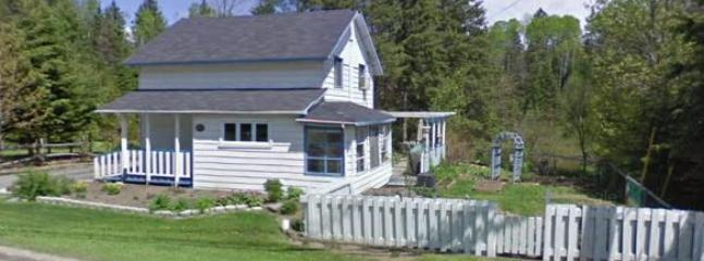 Cozy Cottage with a lot of history - Image 1 - Mont Tremblant - rentals