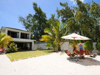 Nice Villa with A/C and Satellite Or Cable TV in Pointe d'Esny - Pointe d'Esny vacation rentals