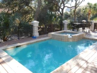 Bright 6 bedroom Vacation Rental in Forest Beach - Forest Beach vacation rentals