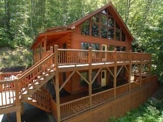 NEAR SKIING-VIEWS-HOT TUB & GREAT REVIEWS!! CNW#4 - Maggie Valley vacation rentals
