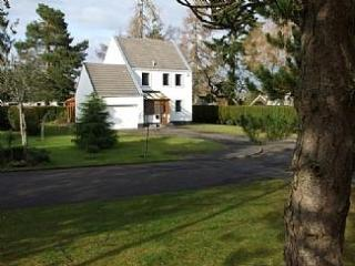 Gleneagles 3 Bed Home Hot Tub Cinema Room BBQ Hut - Auchterarder vacation rentals