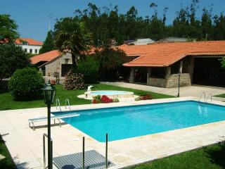 Self Catering 5 bedroom villa next Oporto city - Lagos vacation rentals