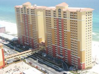 2 Bedroom and Bunkroom with Beach Chairs at Calypso Resort - Panama City Beach vacation rentals