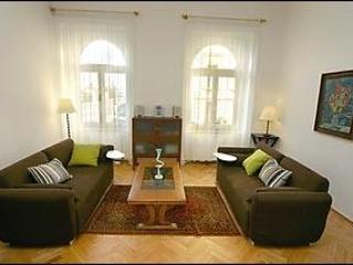 Spacious lounge with 2 sofa beds and great view - Grand Art Deco Apartment Spanelska, Wenceslas Sq - Prague - rentals