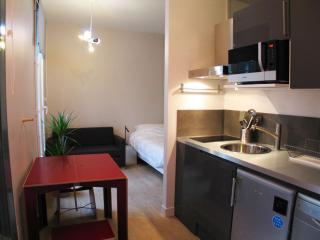 Vacation Rental at Montorgeuil Love Nest in Paris - Paris vacation rentals