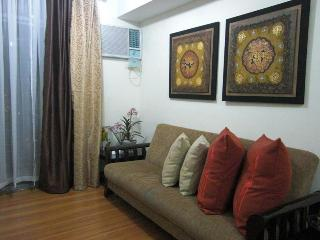 Makati's Best 2BR  Luxury High-Rise Condotel Unit - Makati vacation rentals