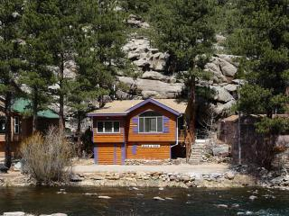 BEAR PAW CABIN on the RIVER - Estes Park vacation rentals