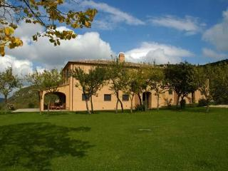 Luxury Farmhouse in Tuscany with Spectacular Views - Carnaiola vacation rentals