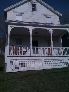 Lovely Cottage Minutes to Tanglewood -Walk to Town - Lee vacation rentals