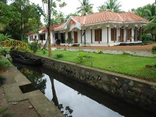 Coconut creek kumarakom homestays & houseboats - Kumarakom vacation rentals