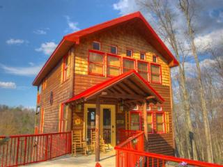 Minutes to Ski Lodge w/ hot tub and pool table - Gatlinburg vacation rentals