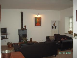 Lovely House with Internet Access and Dishwasher - Refrancore vacation rentals