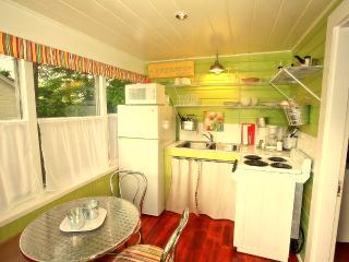 Cottage for 4, Wolfeboro, near Lake Winnipesaukee - Wolfeboro vacation rentals