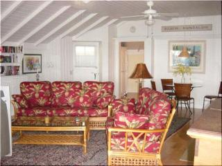 2 bdrm Laguna Beach Charmer 10 doors to 3 cove beaches - Laguna Beach vacation rentals