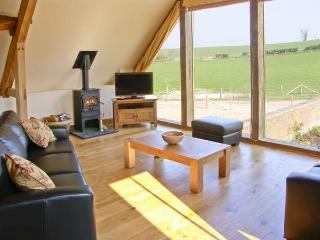 SHEPHERD'S HUT, pet friendly, luxury holiday cottage, with a garden in Winterborne Whitechurch, Ref 5188 - Winterborne Whitechurch vacation rentals
