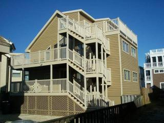 Nice House with Deck and Internet Access - Dewey Beach vacation rentals