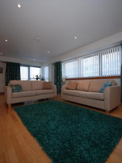 Barony High- 2 Bedroom City Centre Apartment - Glasgow vacation rentals